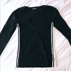 EXPRESS WOMEN'S BLACK V NECK SWEATER (SMALL)